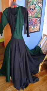 robe-medievale-157x300